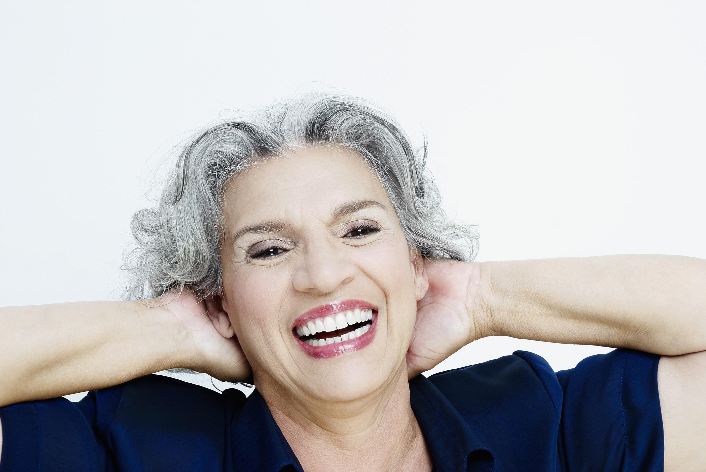 איך להצעיר את עור הפנים באופן טבעי, ללא ניתוח ומבלי לפגוע ברקמות של הגוף.